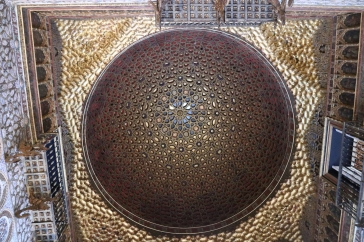 Moor's ornaments and wooden ceiling in Real Acázar