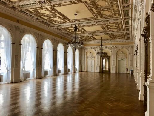 Großer Saal im Kulturzentrum Casino, der für Veranstaltungen genutzt wird