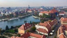 Blick vom Dom über die Oder in Richtung Sandkirche/Dombrücke und Universität