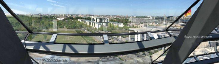 Bundeskanzleramt und rechts daneben Regierungsgebäude