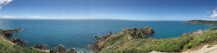 Blick vom Klippenweg bei Jerbourg auf die Südküste von Guernsey