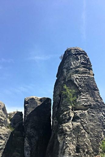 Felsformation von der Basteibrücke aus gesehen